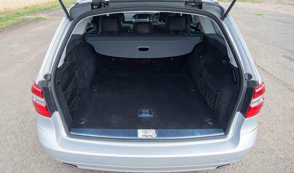 Mercedes E350 Bluetec (600 of 36).jpg