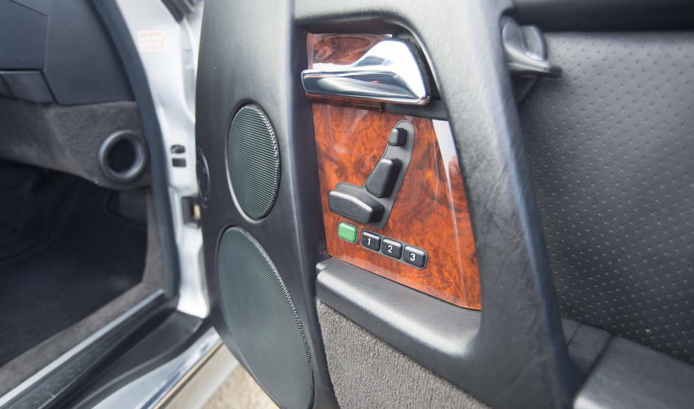 Mercedes R129 500SL (504 of 44).jpg