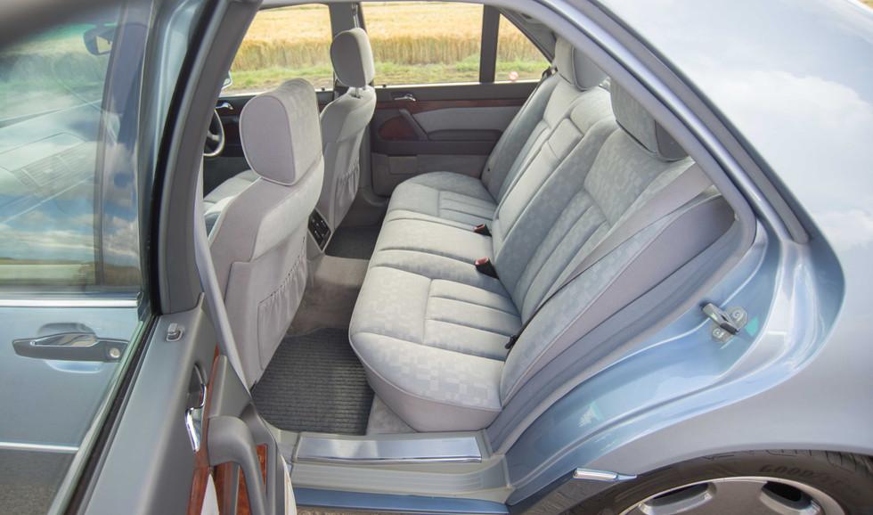 Mercedes 300SE (606 of 29).jpg