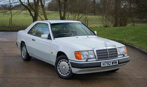 300CE For Sale UK London  (2 of 26).jpg