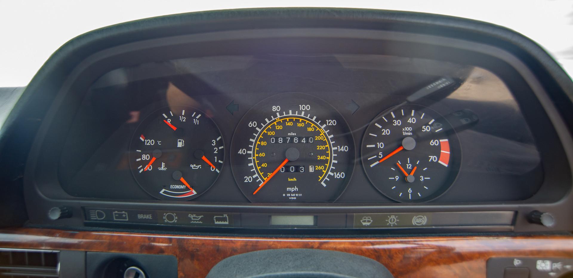 W126 420SEC - Uk for sale london-44.jpg