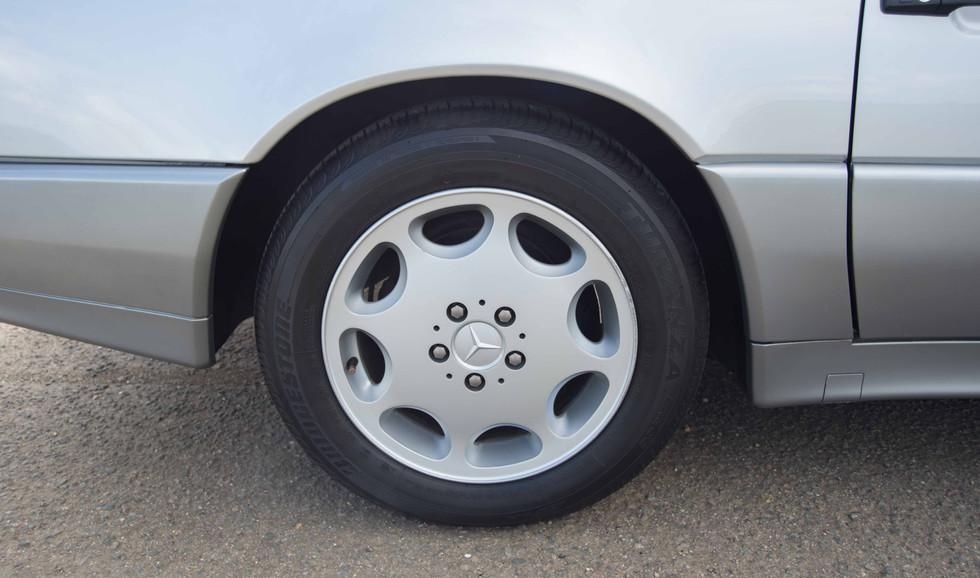 Mercedes R129 500SL (515 of 44).jpg
