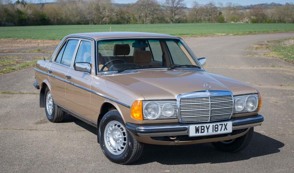Mercedes W123 230E For Sale UK London  (