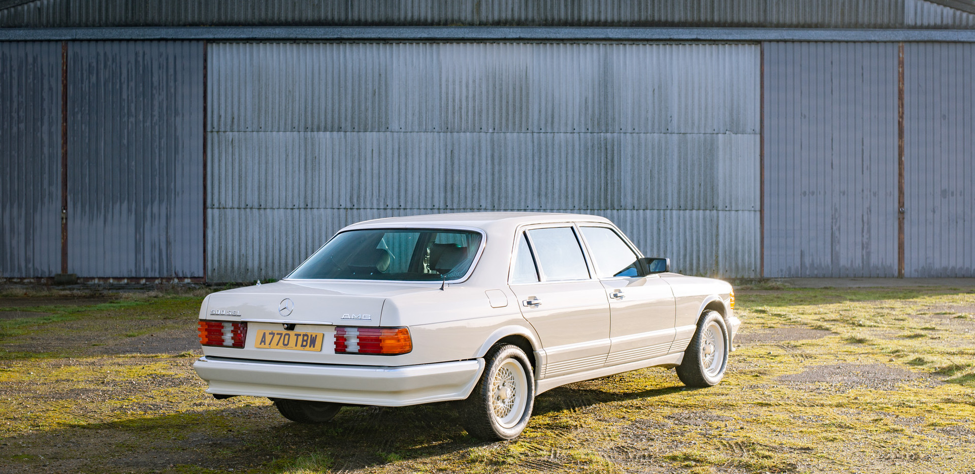 W126 Cream 500SEL for sale uk-7.jpg