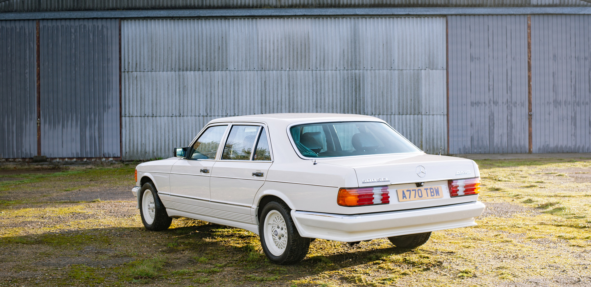 W126 Cream 500SEL for sale uk-5.jpg