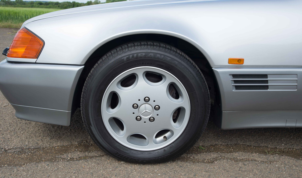 Mercedes R129 500SL (519 of 44).jpg