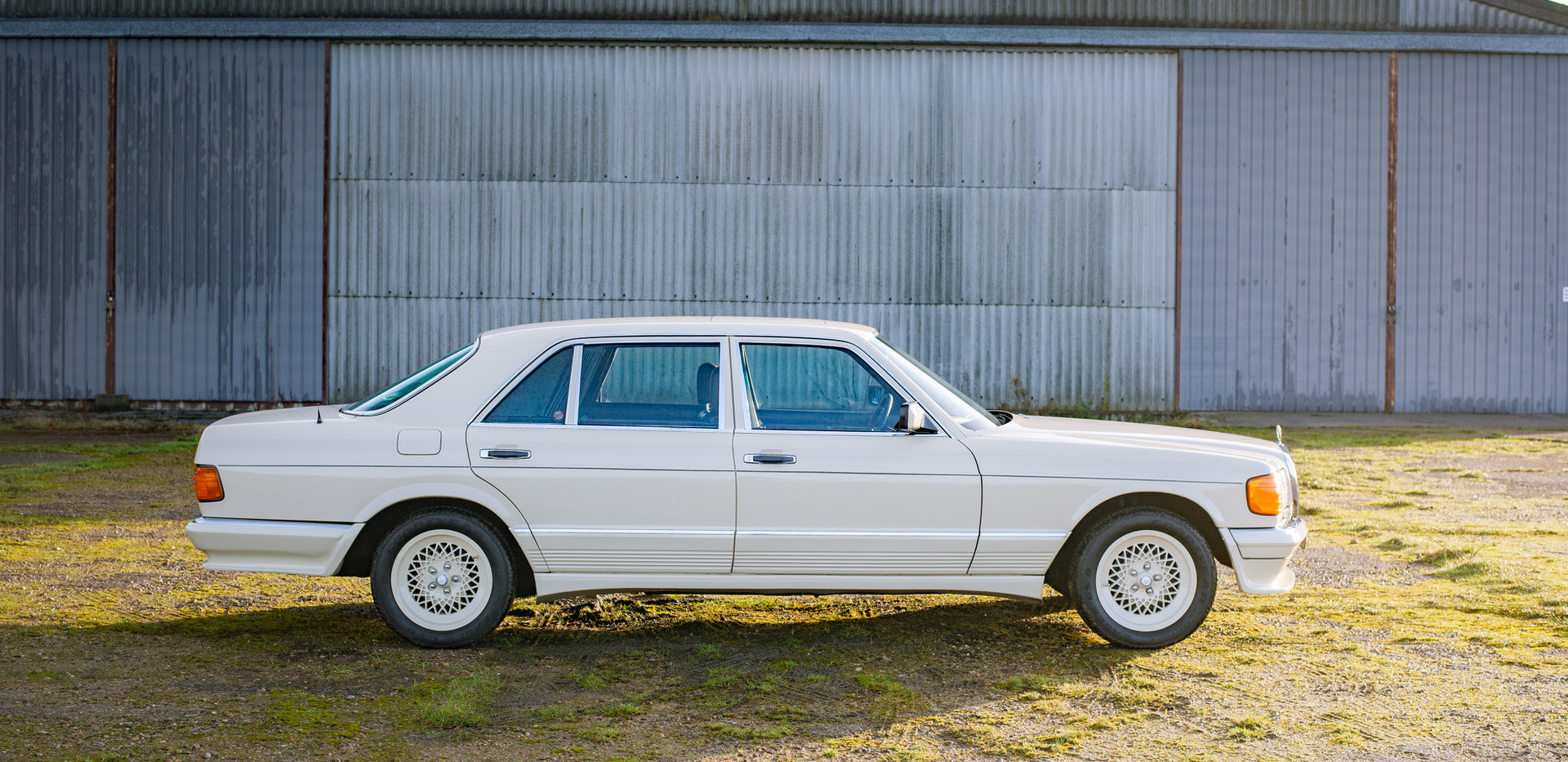 W126 Cream 500SEL for sale uk-8.jpg