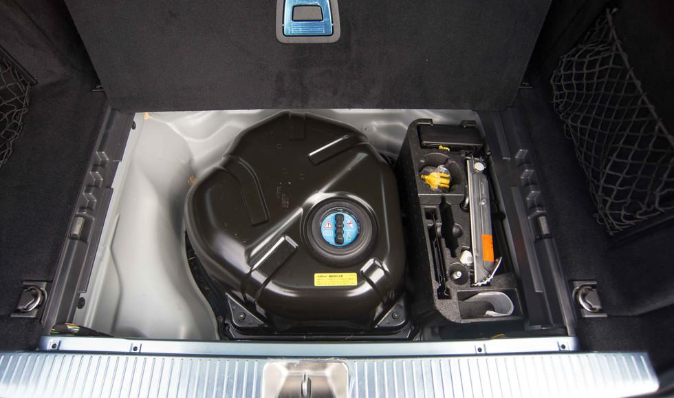 Mercedes E350 Bluetec (623 of 36).jpg