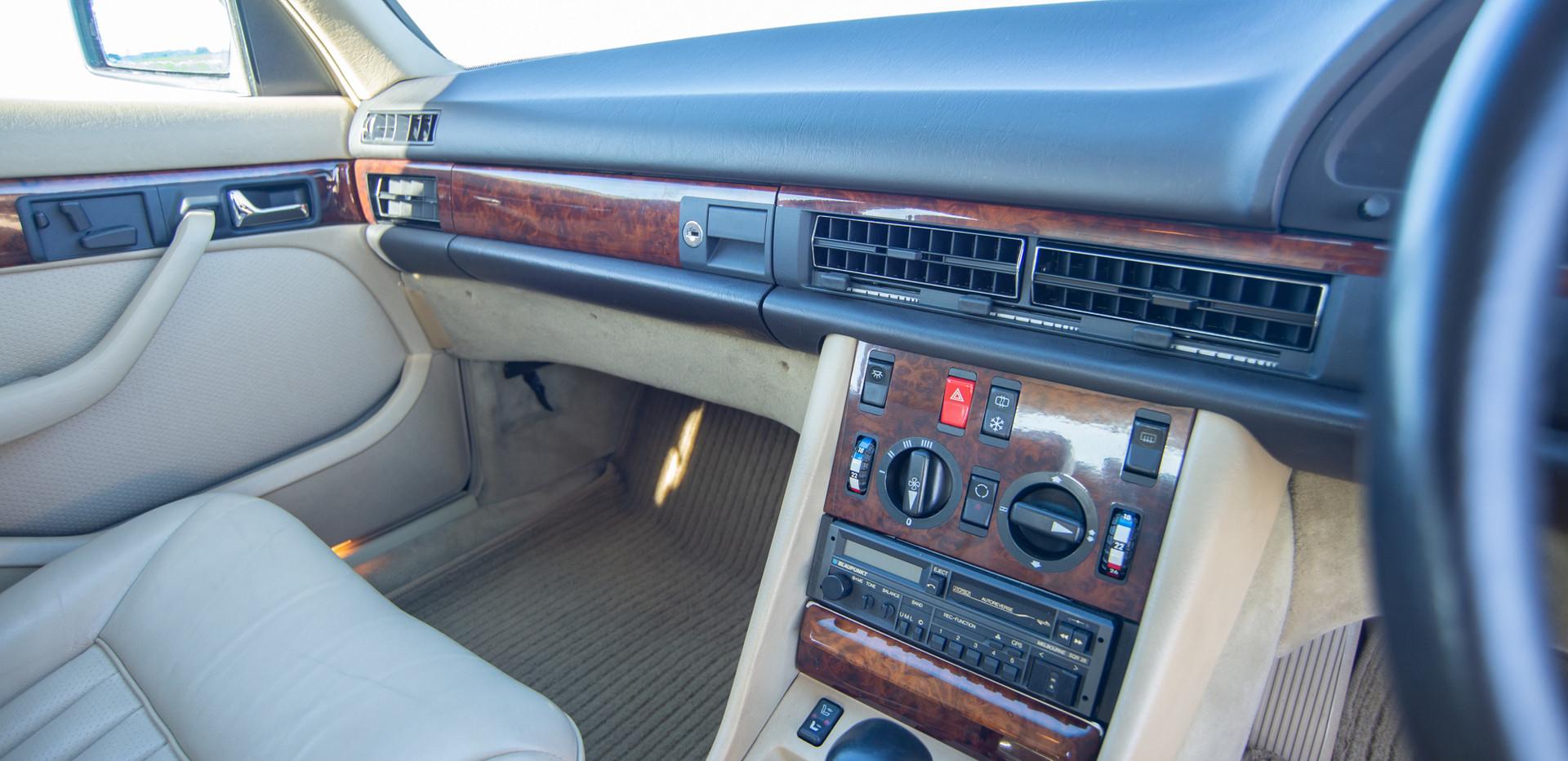 W126 420SEL E3TGW For Sale London-22.jpg