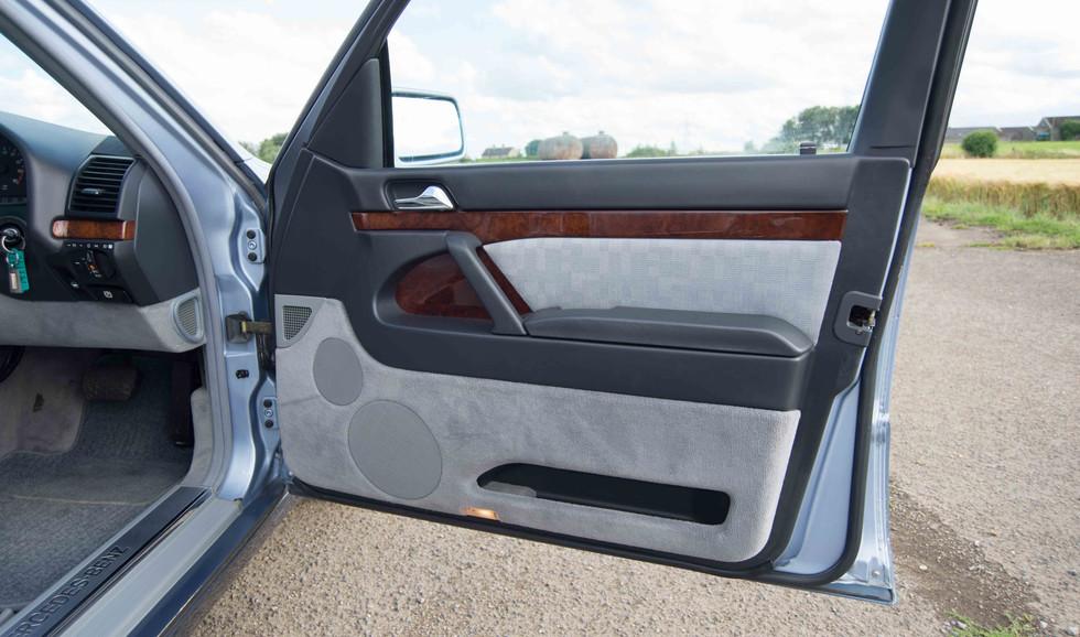 Mercedes 300SE (603 of 29).jpg