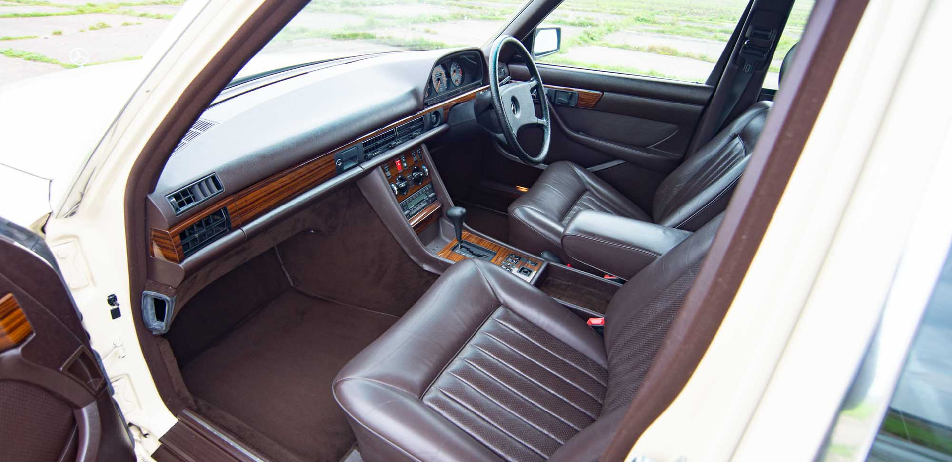 W126 500SEL For sale uk-16.jpg
