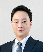sungwookyang-400x492.jpg