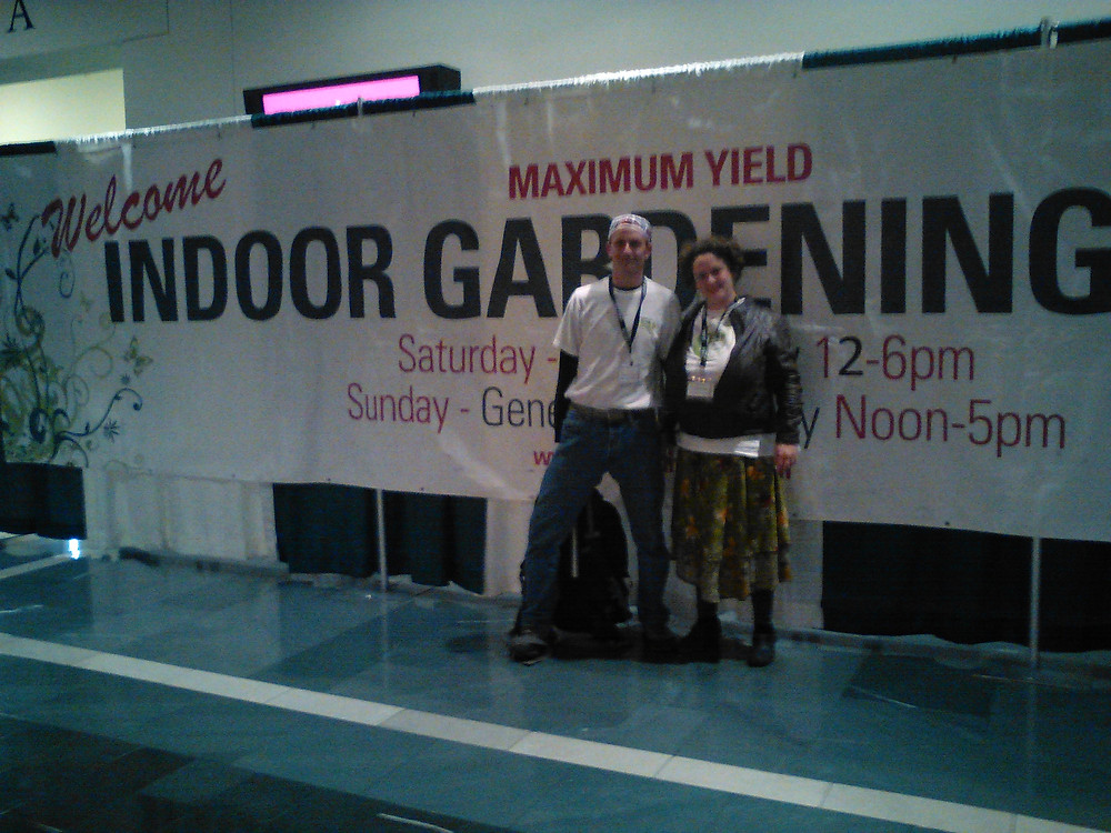 Low Stress Training Products owners Joe and Julia at the Maximum Yield Convention