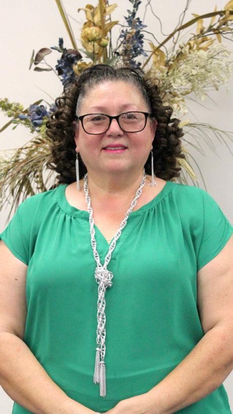 Minister Lisa Hiracheta