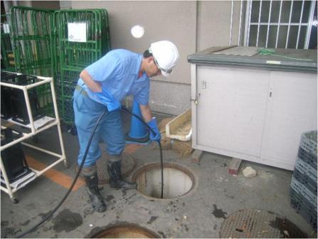 排水管の洗浄作業