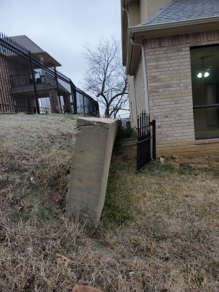 Leaning retaining wall