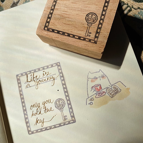 Catdoo label stamp - Collection series - Frame with Antique key