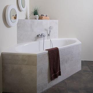 csm_eingebaute-badewanne-gefliest-badaus