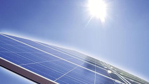 csm_photovoltaikanlage-ansicht-mit-sonne