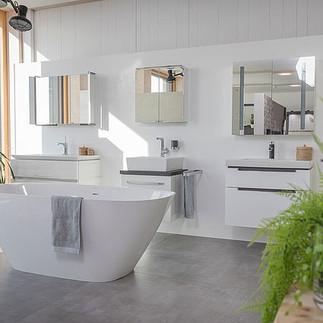 csm_moderne-freistehende-badewanne-und-w