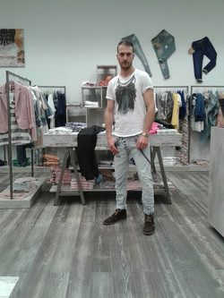 SHOWROOM PLEASE CAGLIARI