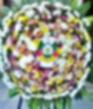 Coroa de flores de flores gaúcha. Crisântemos e margaridas