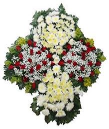 Coroa de Flores  Crisântemos, rosas e tango  