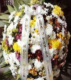 Coroa de Flores  Crisântemos e flores do campo  