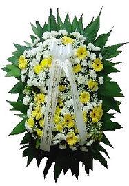 Coroa de Flores  Crisântemos brancos e gérberas  