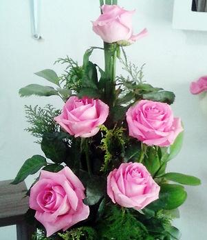 Arranjo de flores de Rosas Cor de Rosas. Floricultura em Porto Alegre. Poa