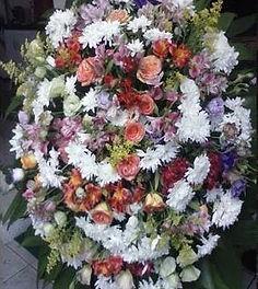 Coroa de Flores  Rosas e crisântemos  