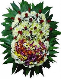 Coroa de Flores  Crisântemos, flores do campo e rosas  