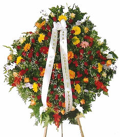 Coroa de Flores  Palmas, rosas, gérberas e mosquitinhos