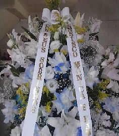 Cesta Fúnebre  Crisântemos e flores mistas  