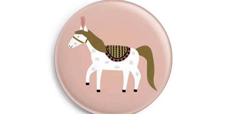 Button - Zirkuspferd auf rosa Hintergrund