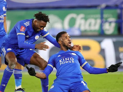 Leicester City pārspēj Manchester United komandu un iekļūst pusfinālā
