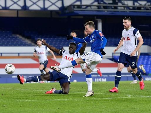 Everton un Tottenham sarīko vārtu birumu, grandi soļo tālāk, Manchester City uzstāda jaunu rekordu
