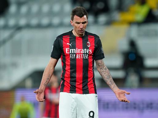 Milan un Juventus klūp, notiek līderu maiņa