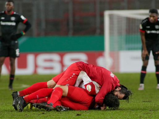 4.līgas klubs izslēdz Leverkūzenes Bayer, Dortmundes Borussia izmocīta uzvara papildlaikā