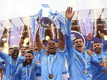 Eiropas futbola sezona noslēgusies ar negaidītiem rezultātiem un pavērsieniem