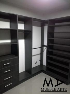 Closet-106.jpg