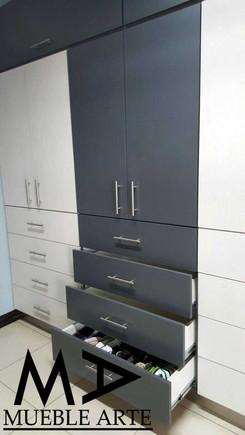 Closet-125.jpg