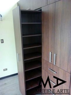 Closet-117.jpg