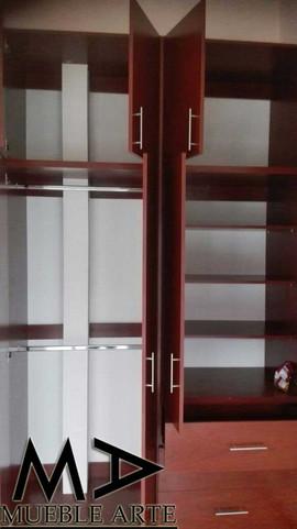 Closet-140.jpg