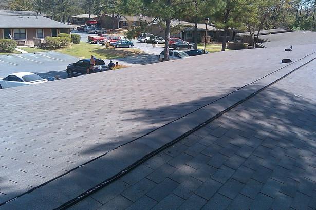 Estate gray shingles installed at entia Oaks apartments