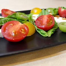 Tomato Basil Caprese Salad
