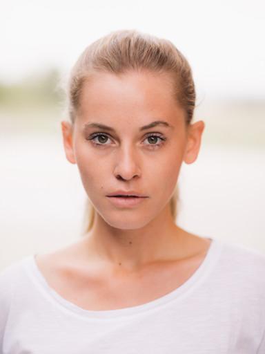 Antonia R