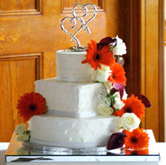 multi shaped wedding cake