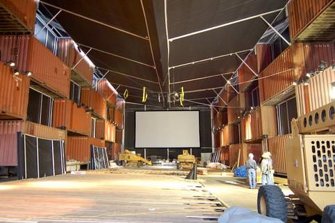 灰と雪の中央劇場