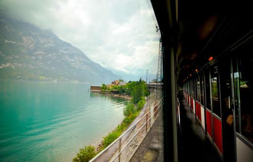 places train to vienna lakes.jpg